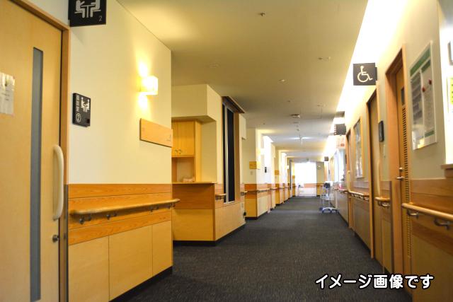 老人ホームイメージ画像廊下